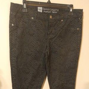Mossimo Premium Denim Snake Legging Jeans Size 12